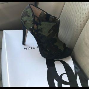 Camouflage heels